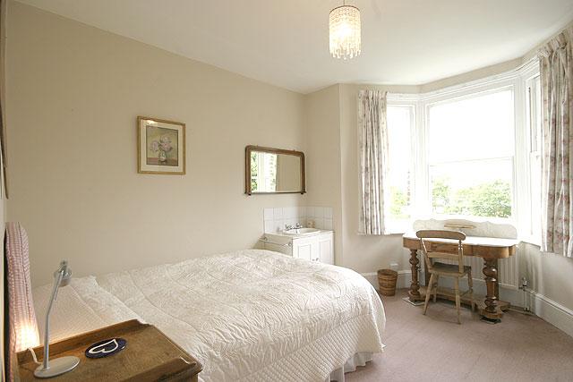 clare s zone 3 g nstiges studentenzimmer oder wg zimmer in london. Black Bedroom Furniture Sets. Home Design Ideas